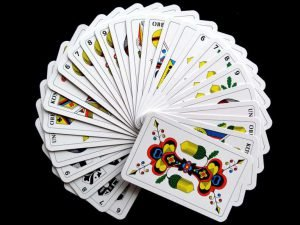 cards-627167_960_720-768x576