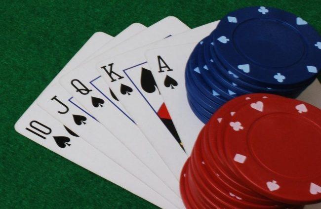 Följ och lär av pokerproffset Sam Trickett